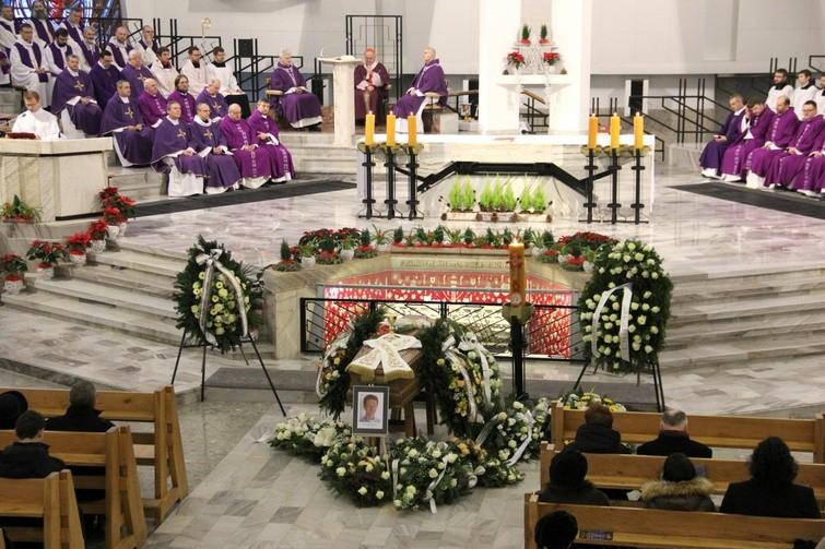 Jezuici pożegnali tragicznie zmarłego współbrata, w swoim sanktuarium na Mokotowie