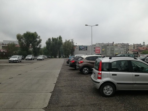 Parking w Rybniku przy ul.Hallera